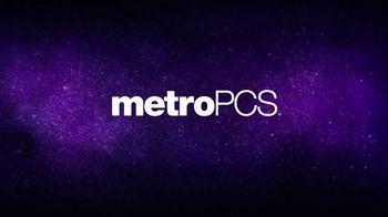MetroPCS TV Spot, 'Cuatro líneas: teléfonos gratis' [Spanish] - Thumbnail 1