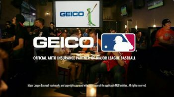 GEICO TV Spot, 'MLB: Hot Wings Prank' - Thumbnail 8