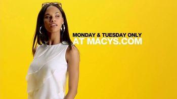 Macy's TV Spot, 'Surprise: Free Shipping' - Thumbnail 10