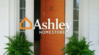 Ashley HomeStore Black Friday in July TV Spot, 'Queen Mattresses' - Thumbnail 1