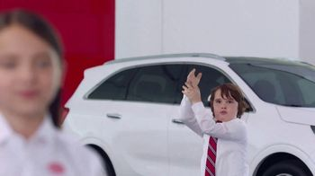 Kia America's Best Value Summer Clearance TV Spot, 'Balloons: Pop' [T1] - Thumbnail 3