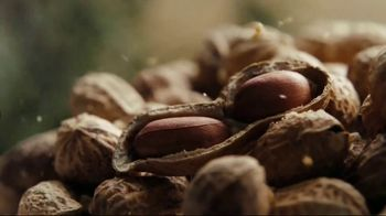 Nature Valley TV Spot, 'Crunchy, Sweet and Salty Perfection' - Thumbnail 3