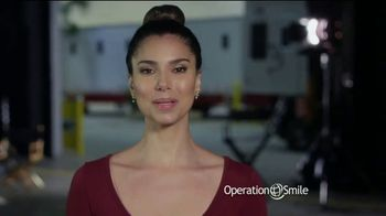 Operation Smile TV Spot, 'Every Child Is Precious' Ft. Roselyn Sanchez - Thumbnail 8