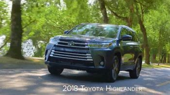 2018 Toyota Highlander TV Spot, 'Live With Peace of Mind' [T2] - Thumbnail 4
