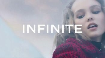 Chanel No. 5 L'eau TV Spot, 'You Know Me' Featuring Lily-Rose Depp - Thumbnail 6
