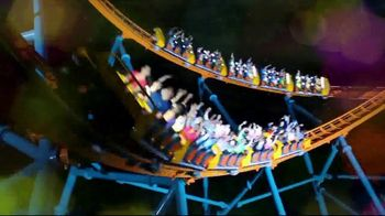 Six Flags Holiday in the Park TV Spot, 'Season Pass Savings' - Thumbnail 7