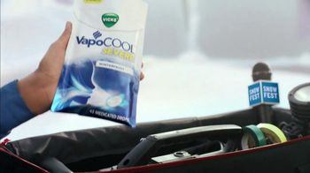 Vicks VapoCOOL Severe TV Spot, 'Vaporize Sore Throat Pain' - Thumbnail 3