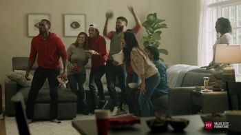 Value City Furniture Pre-Black Friday Sale TV Spot, 'Designer Looks: Great Moments' - Thumbnail 2