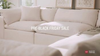 Value City Furniture Pre-Black Friday Sale TV Spot, 'Designer Looks: Great Moments' - Thumbnail 4