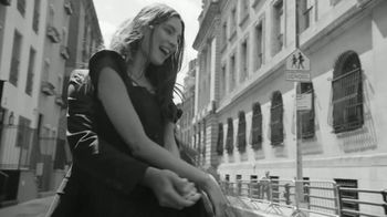 Zales Vera Wang LOVE Collection The Kindred Heart TV Spot, 'Meant to Be' - Thumbnail 1