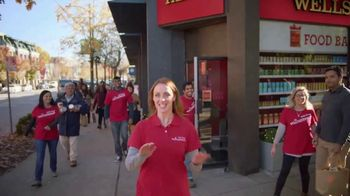 Wells Fargo TV Spot, 'The Most Giving-est Time of the Year' - Thumbnail 7