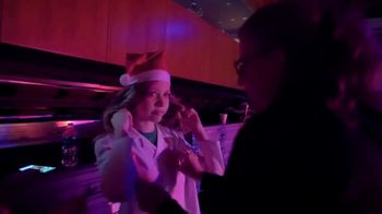 Shriners Hospitals for Children TV Spot, '2018 Holidays: Behind the Curtain: Abilities' - Thumbnail 2
