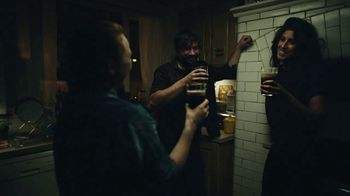 Guinness TV Spot, 'A Guinness Toast to Tradition' - Thumbnail 7