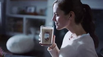 Yankee Candle Elevation Collection TV Spot, 'The Little Touches: Happy Holidays' - Thumbnail 4
