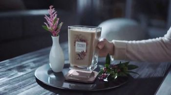 Yankee Candle Elevation Collection TV Spot, 'The Little Touches: Happy Holidays' - Thumbnail 5