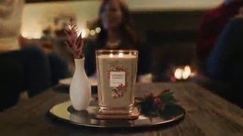 Yankee Candle Elevation Collection TV Spot, 'The Little Touches: Happy Holidays' - Thumbnail 6