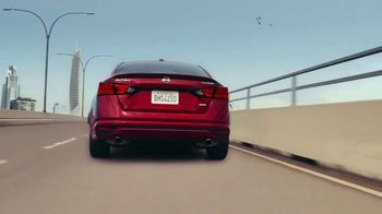 2019 Nissan Altima TV Spot, 'Create Your Own Lane' Song by Ciara [T1] - Thumbnail 3