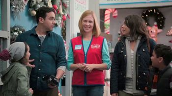 Lowe's Black Friday Deals TV Spot, 'Peace on Earth: 25 Percent Off Trees' - Thumbnail 3