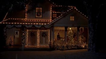 Lowe's Black Friday Deals TV Spot, 'Peace on Earth: 25 Percent Off Trees' - Thumbnail 7