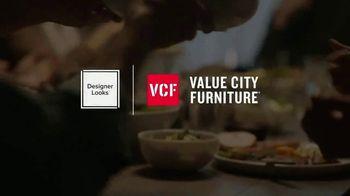 Value City Furniture Black Friday Sale TV Spot, 'Great Moments Deserve Great Furniture' - Thumbnail 2