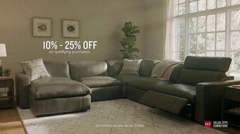 Value City Furniture Black Friday Sale TV Spot, 'Great Moments Deserve Great Furniture' - Thumbnail 5