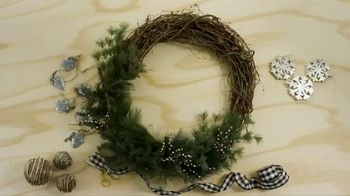 Hobby Lobby TV Spot, '2018 Holidays: Farmhouse Wreath' - Thumbnail 5