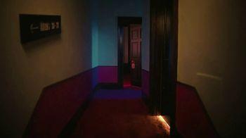 H&M TV Spot, 'Hotel Mauritz: Episode 3' Featuring Aubrey Plaza, Song by RUN-DMC - Thumbnail 4