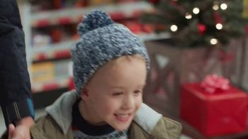ACE Hardware TV Spot, 'Holidays: Gifts for Dad' - Thumbnail 3