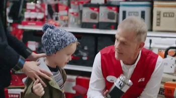 ACE Hardware TV Spot, 'Holidays: Gifts for Dad' - Thumbnail 4