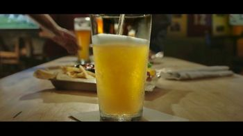 Buffalo Wild Wings $5 Gameday Menu TV Spot, 'Time to Collect' - Thumbnail 2