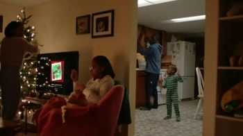 XFINITY TV Spot, 'Holidays: Traditions' Song by Perry Como - Thumbnail 3