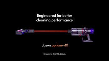 Dyson Cyclone v10 TV Spot, 'Digital Vacuum' - Thumbnail 10
