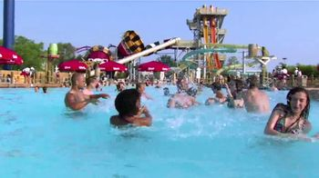 Six Flags TV Spot, 'Giant Waterpark' - Thumbnail 6