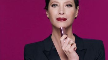 Maybelline Shine Compulsion TV Spot, 'Siente la atracción' [Spanish] - Thumbnail 5