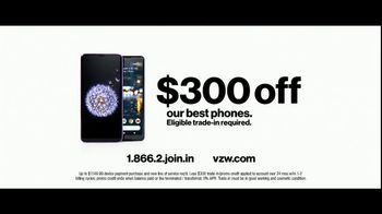 Verizon Unlimited TV Spot, 'Big Scoop: $300 Off' Feat. Thomas Middleditch - Thumbnail 10