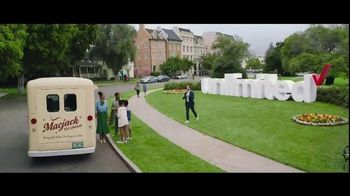 Verizon Unlimited TV Spot, 'Big Scoop: $300 Off' Feat. Thomas Middleditch - Thumbnail 2