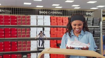 Shoe Carnival Buy One, Get Half Off Event TV Spot, 'Lots of Shoes' - Thumbnail 7