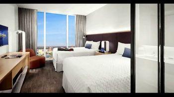 Universal Orlando Resort Aventura Hotel TV Spot, 'Right Outside' - Thumbnail 4