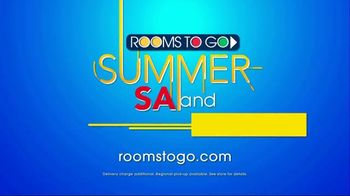 Rooms to Go Summer Sale and Clearance TV Spot, 'Cindy Crawford Home Sofas' - Thumbnail 8