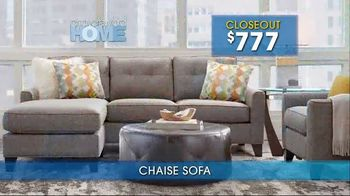 Rooms to Go Summer Sale and Clearance TV Spot, 'Cindy Crawford Home Sofas' - Thumbnail 3