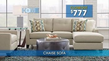 Rooms to Go Summer Sale and Clearance TV Spot, 'Cindy Crawford Home Sofas' - Thumbnail 5