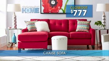 Rooms to Go Summer Sale and Clearance TV Spot, 'Cindy Crawford Home Sofas' - Thumbnail 7
