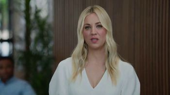 Priceline.com TV Spot, 'Laptop' Featuring Kaley Cuoco - Thumbnail 7