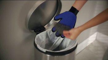 True Touch Deshedding Glove TV Spot, 'Winter Hair Storm Warning' - Thumbnail 10