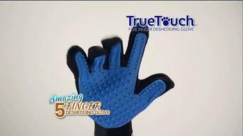 True Touch Deshedding Glove TV Spot, 'Winter Hair Storm Warning' - Thumbnail 5