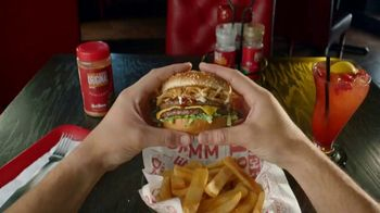Red Robin Cowboy Ranch Tavern Double TV Spot, 'Giddy Up' - Thumbnail 1