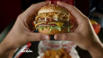 Red Robin Cowboy Ranch Tavern Double TV Spot, 'Giddy Up' - Thumbnail 2