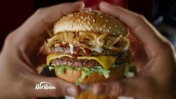 Red Robin Cowboy Ranch Tavern Double TV Spot, 'Giddy Up' - Thumbnail 4