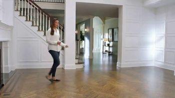 La-Z-Boy 4 Day Sale TV Spot, 'Fast Forward' Feat. Brooke Shields - Thumbnail 1