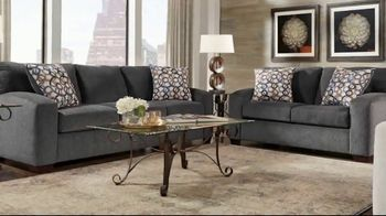 Rooms to Go Summer Sale and Clearance TV Spot, 'Sofas & Loveseats' - Thumbnail 3